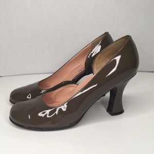 Anyi Lu handmade in Italy leather stylish shoes.